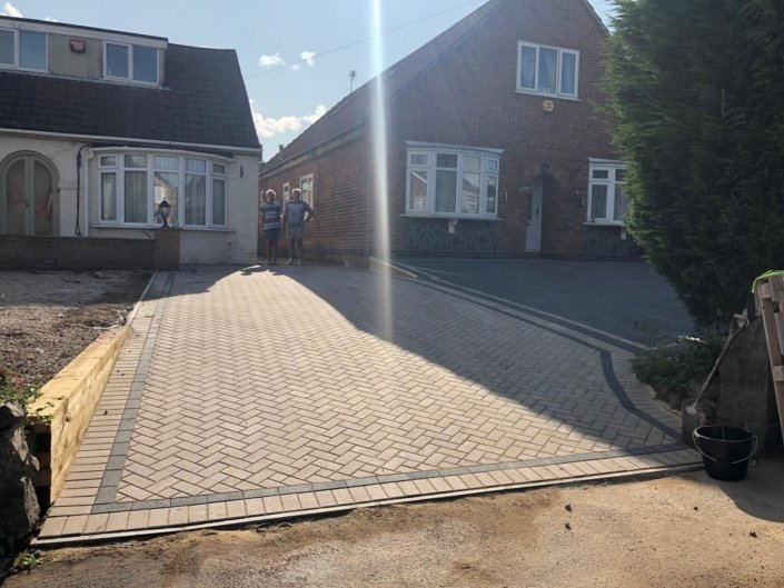 bklock paving in Markfield Road